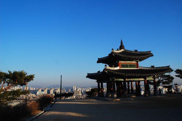 Hwaseong Seojangdae Command Post