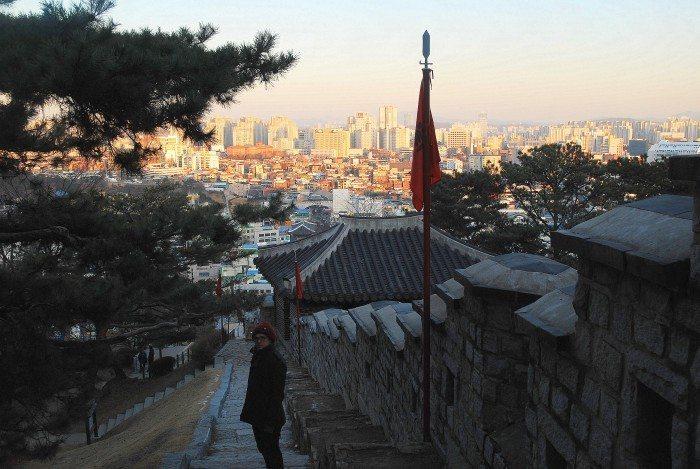 hwaseong fortress wall nam-poru