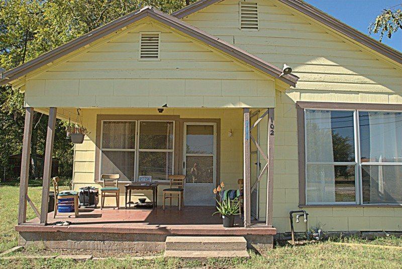 furnish a house cheap