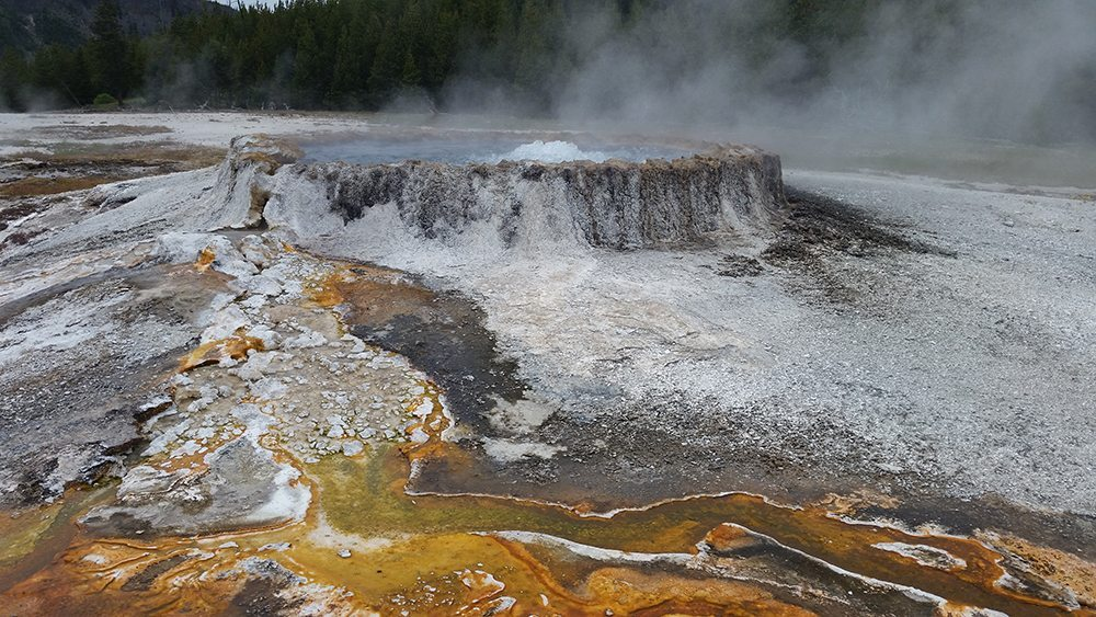 yellowstone national park punch bowl spring